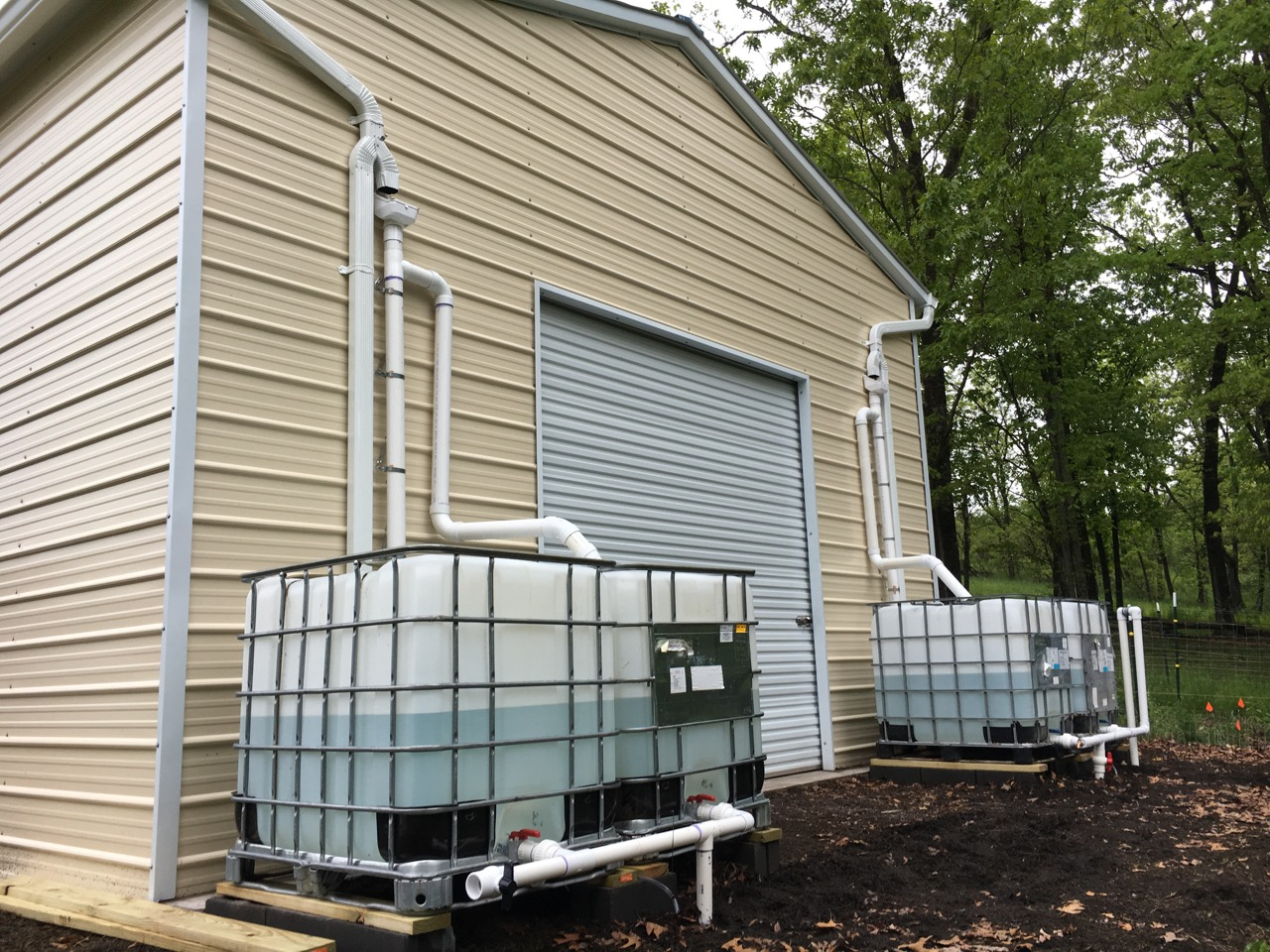 Great escape farms large rainwater harvesting system for Pictures of rainwater harvesting system